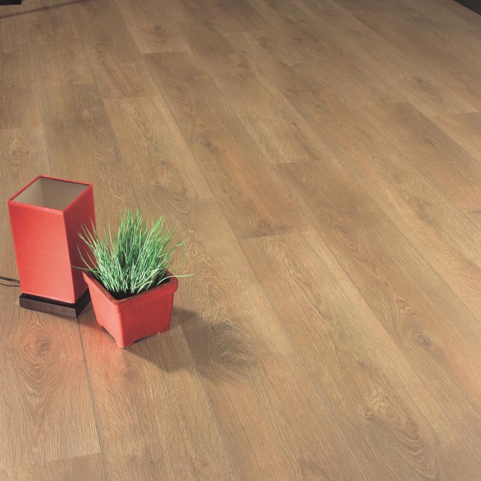 Сколько стоит положить ламинат на пол?