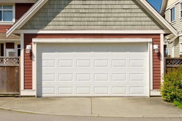 Напольные покрытия для гаража: виды и способы монтажа