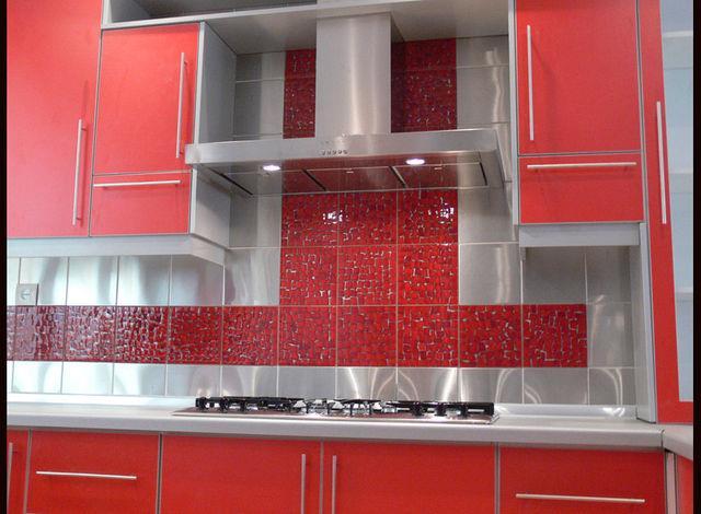 Выбор различных вариантов плитки на кухню