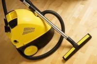 Особенности выбора моющего пылесоса для паркетной доски