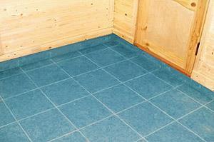 Бетонный пол в бане покрытый керамической плиткой (фото)