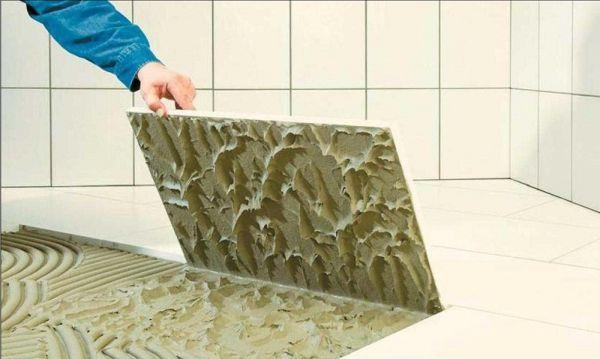 Расход клея зависит от размера плитки