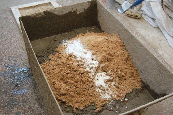 Песок и цемент для раствора