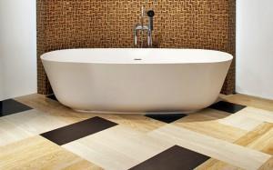 Фото дизайна ванной комнаты, в которой была использована плитка из ПВХ