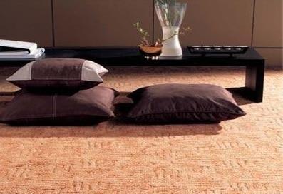 Среди преимуществ ковролина из натуральной шерсти долговечность и привлекательный внешний вид