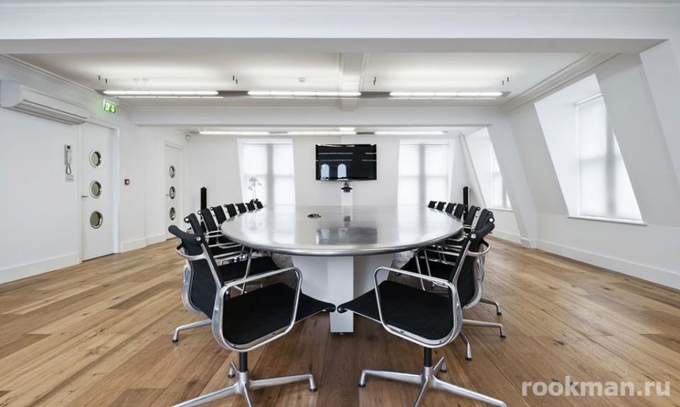 Ламинат в офисе, 33 класс, толщина 12мм