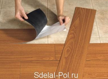 Снятие защитного слоя с клеящей поверхности