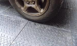 Резина под колеса машины
