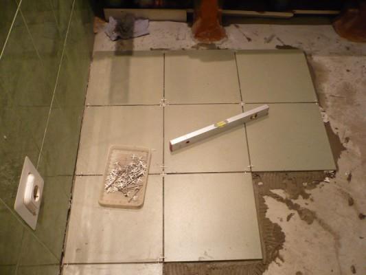 Как правильно положить плитку