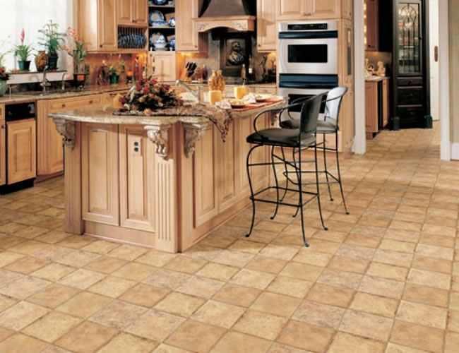 Линолеум – одно из наиболее распространенных напольных покрытий для кухни, благодаря его практичности и простоте укладки
