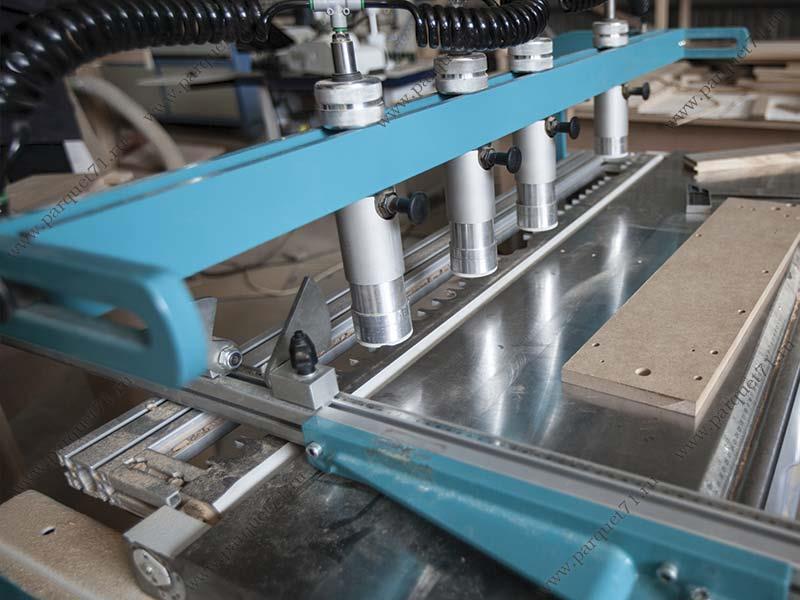 Оборудование на деревообрабатывающем заводе