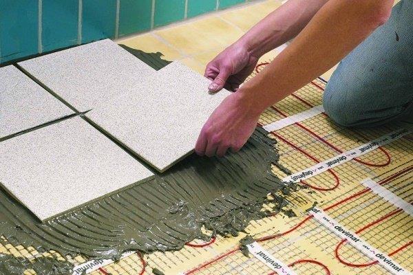 Устройство напольного покрытия