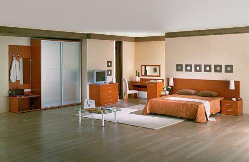 Ламинированный пол в спальне