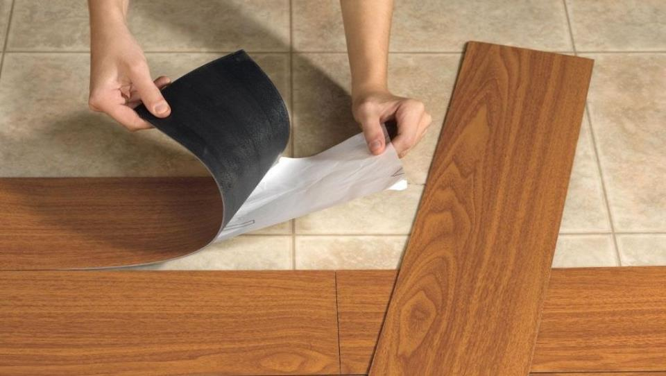 Перед укладкой гибкого ламината можно не выравнивать идеально поверхность пола