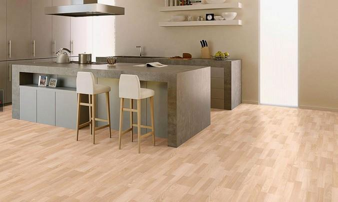 Многополосный ламинат в интерьере кухни