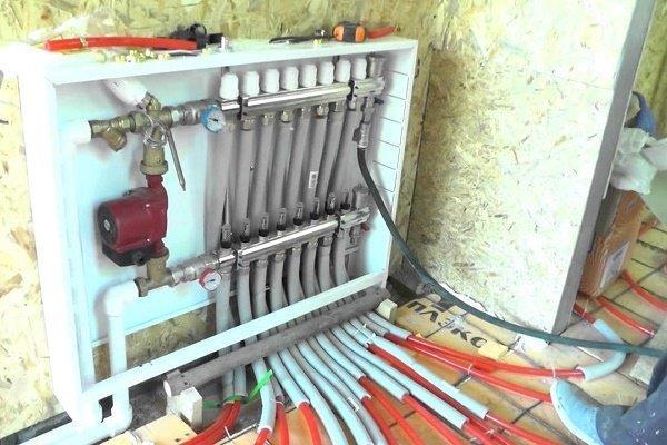 Теплоизоляция труб в зоне уменьшения шага раскладки