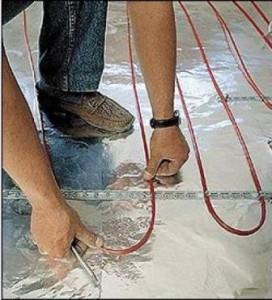 укладка электрического пола на подложку