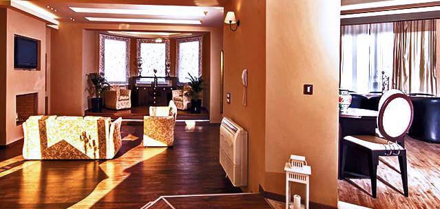 Свет на ламинате - разный вид в интерьере.