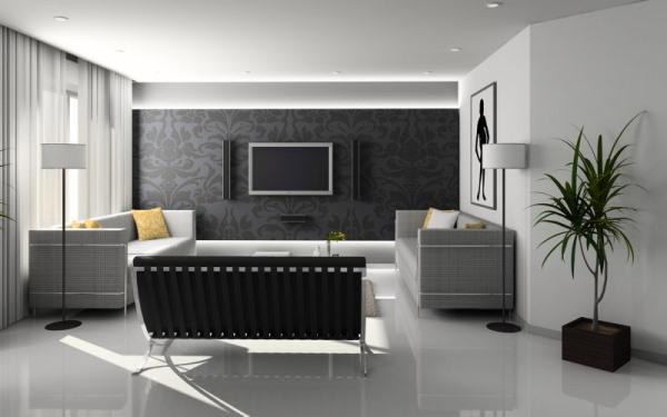 Светлый ламинат/светлый потолок/светлые обои с одной темной стеной