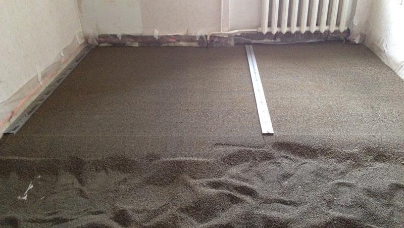 Фото: Использование мелкозернистых смесей ускоряет процесс работ