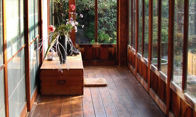 Качественный ламинат из Германии для закрытой веранды