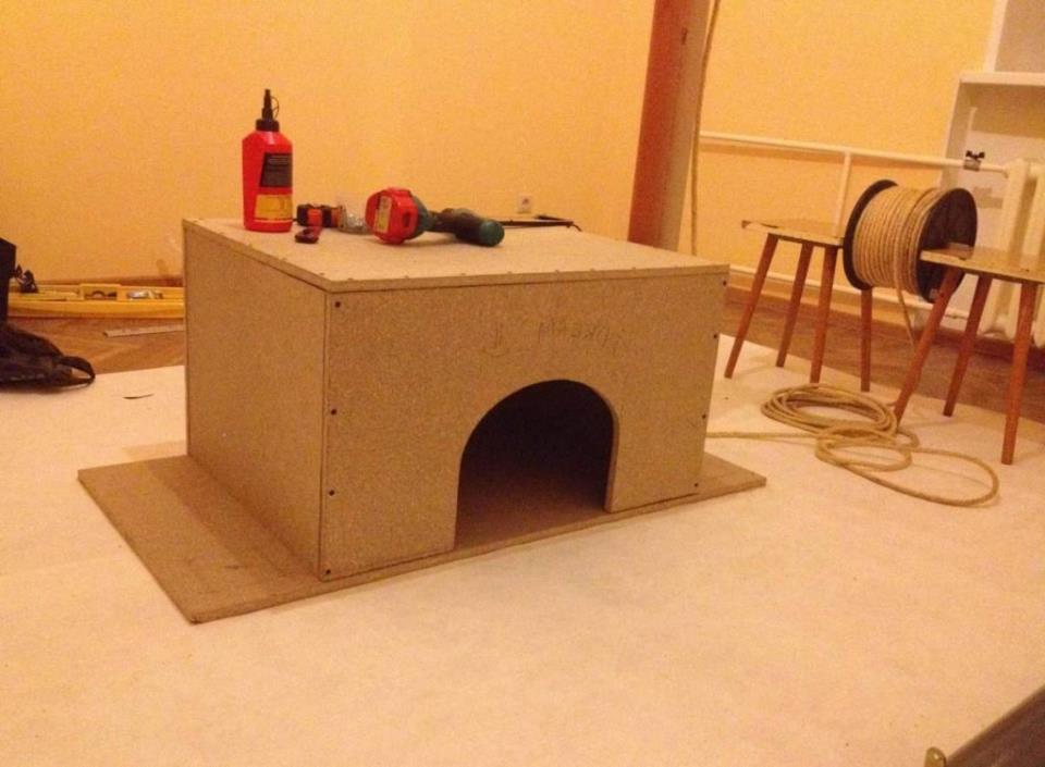 Как сделать дом для кошки своими руками?