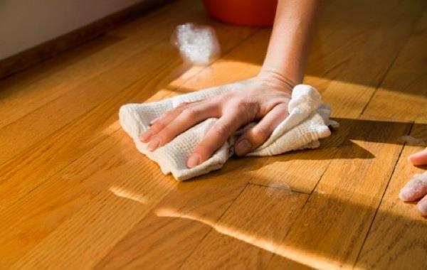 Тщательное мытье полов