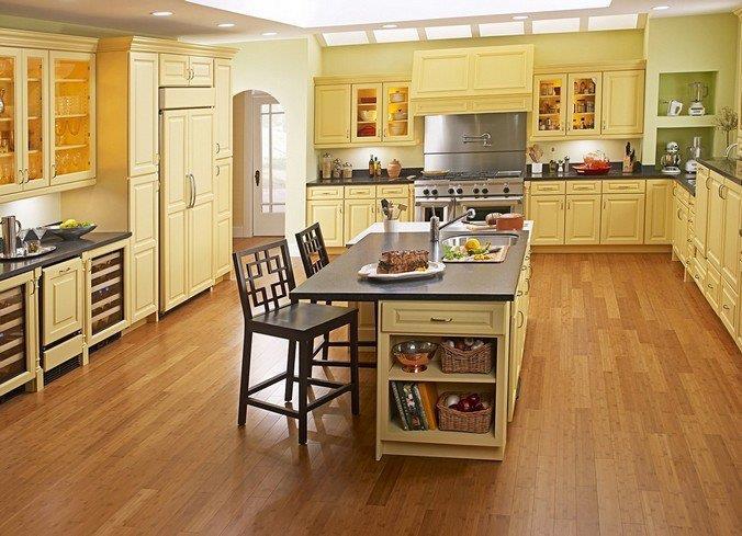 Влагостойкий ламинат 31 класса на кухне
