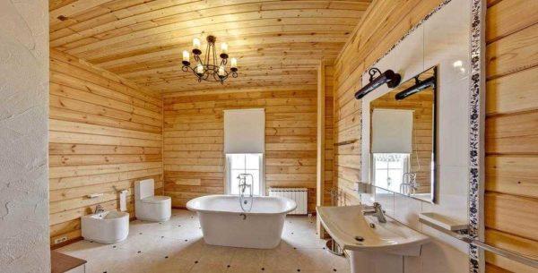 Ванная комната в деревянном доме - древесина везде