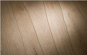 Как положить ламинат на неровный деревянный пол своими руками