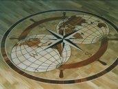 Рисунок на полу из фанеры