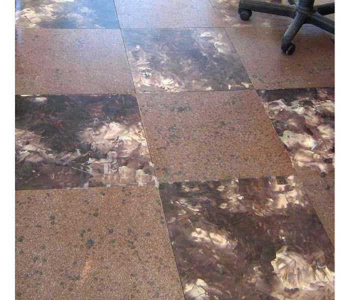 Напольное покрытие из древесноволокнистых плит
