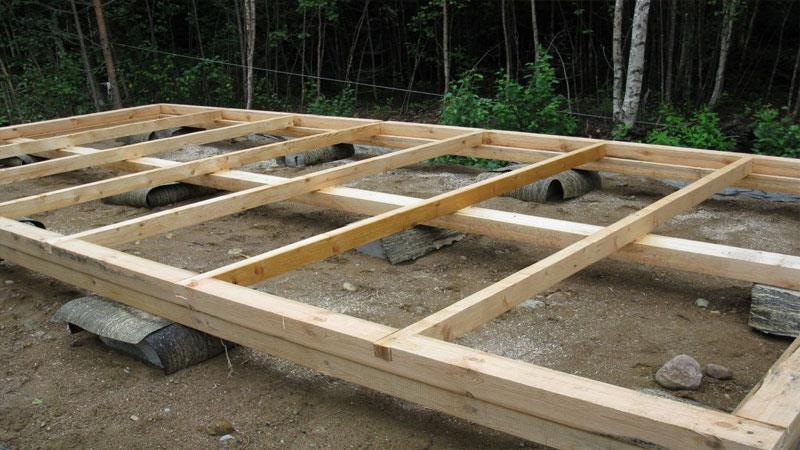Укладка лаг перед настилом деревянных полов