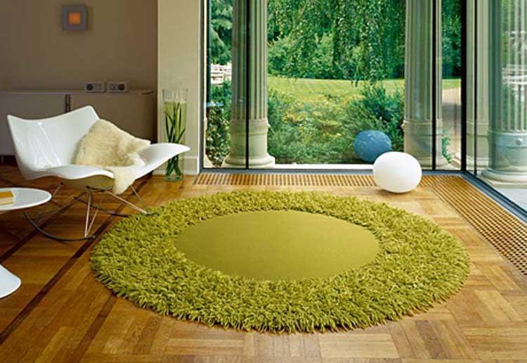 Круглый зеленый коврик