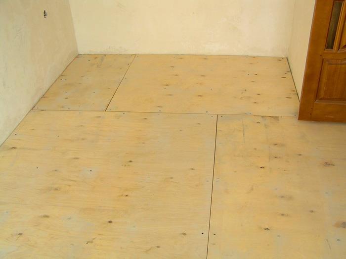 Теплый пол под деревянным основанием