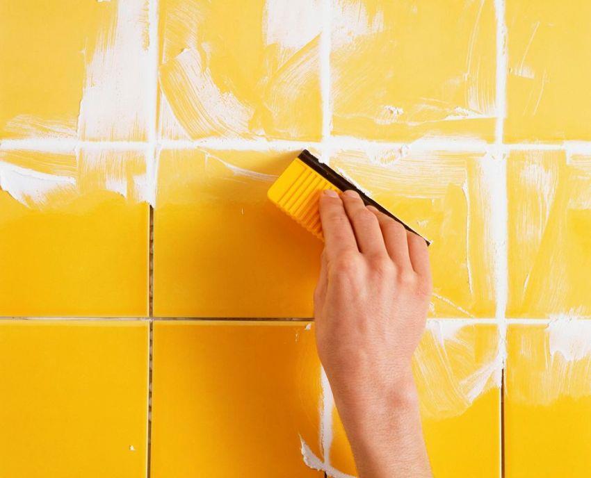 Межплиточный шов обладает декоративной особенностью – дополняет общий рисунок на стене