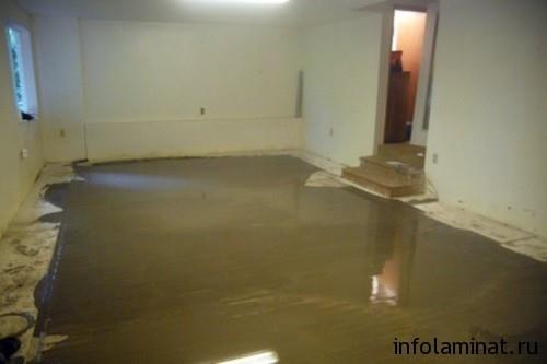 Укладка ламината на неровный бетонный пол