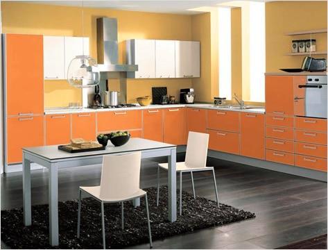 Ламинат на кухонном полу практичен, удобен и красив