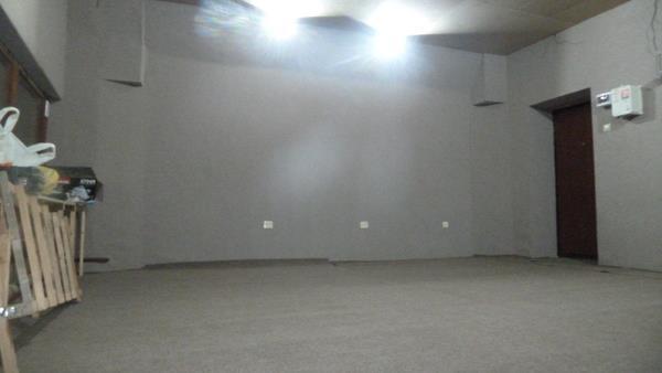 Ковролин на клеевой основе на стенах помещения