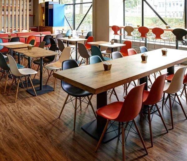 Напольное покрытие 43 класса в кафетерии