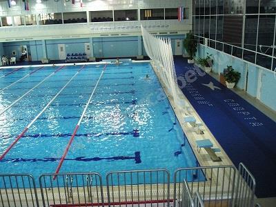 Дорожка вокруг бассейна Дворца спорта в Подмосковье
