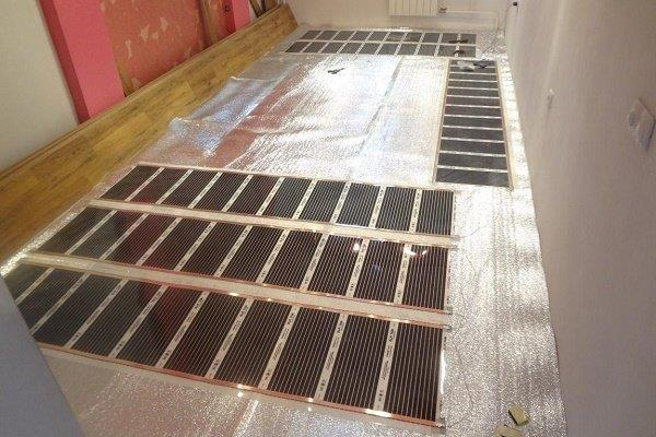Укладка инфракрасных полотнищ в помещении